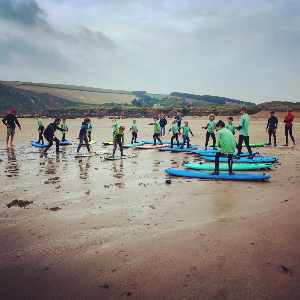 group surfing lesson
